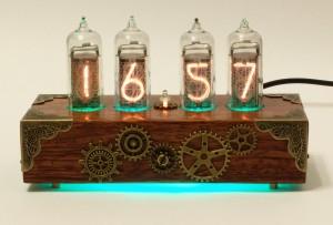 SteamPunk Часы на лампах
