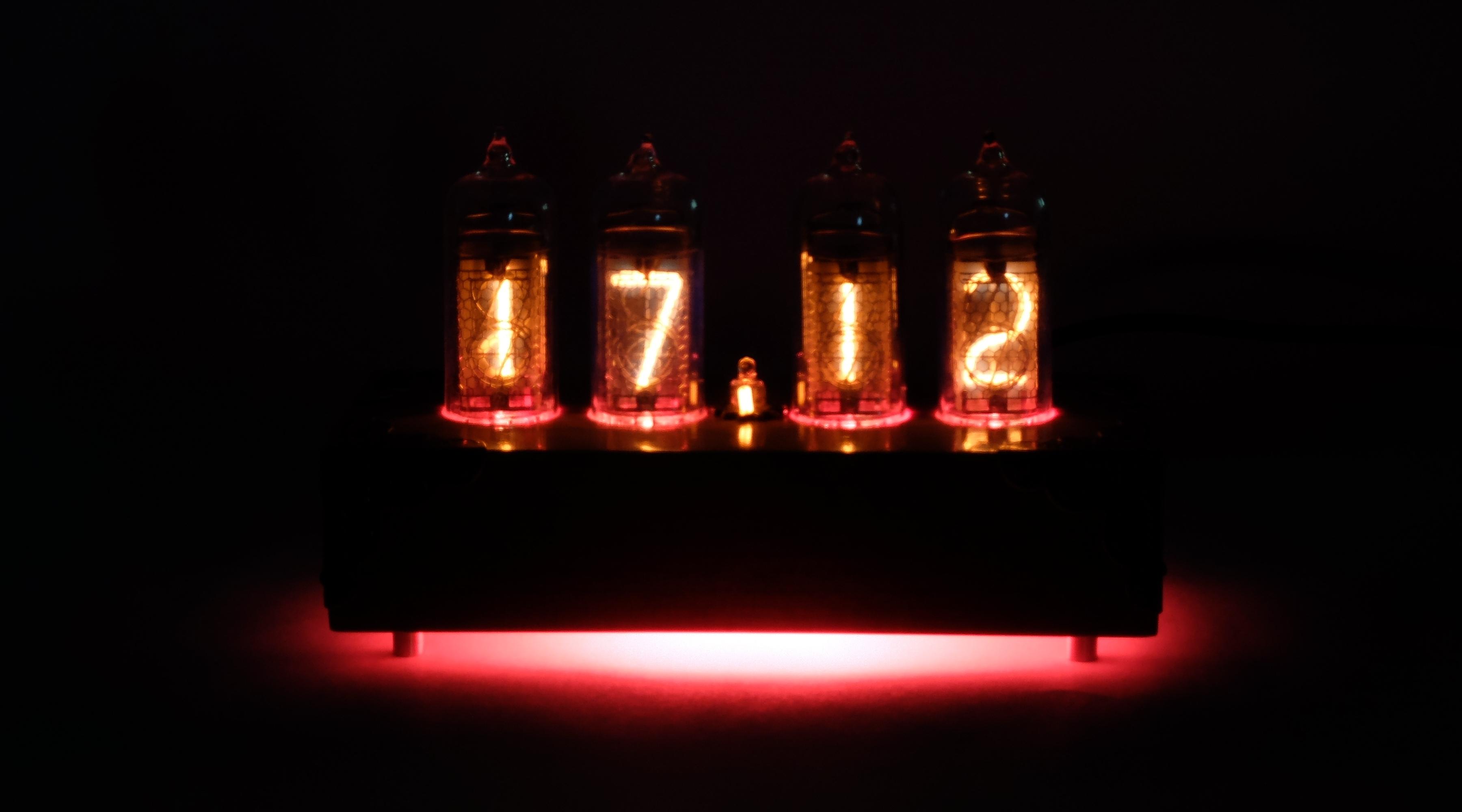 Часы с RGB подсветкой