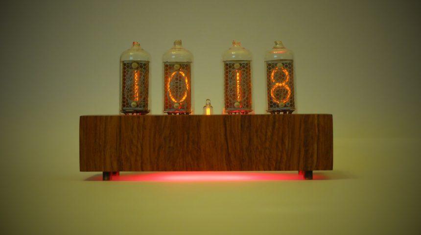 Ламповые часы на ИН-8-2