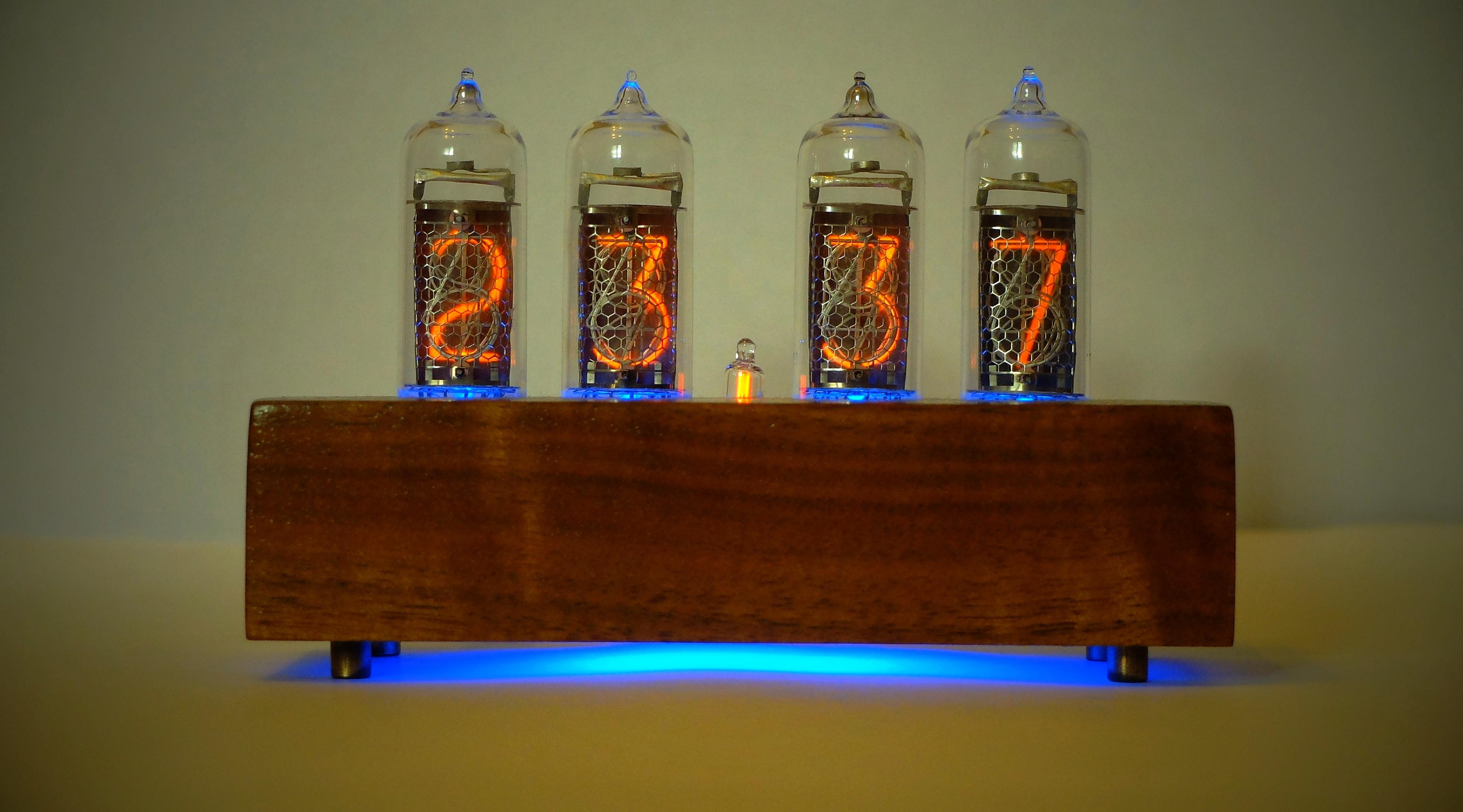 Ламповые часы ИН-14
