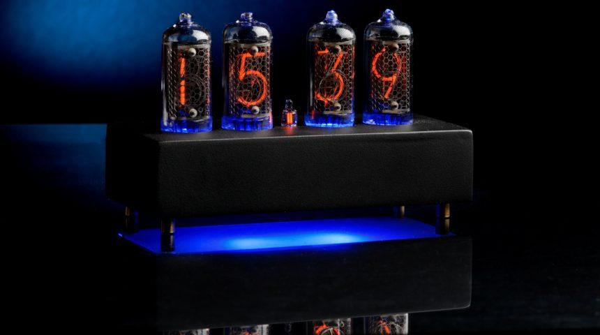 Настольные часы с RGB подсветкой на индикаторах