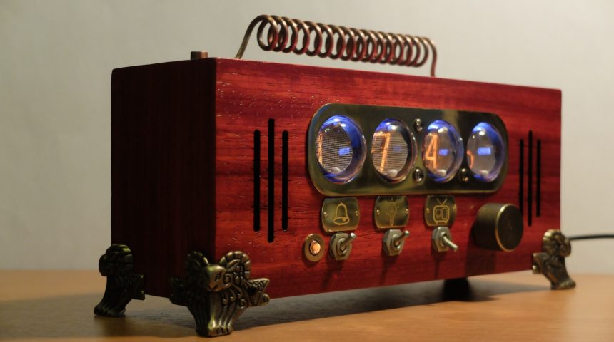 SteamPunk часы на индикаторах ИН-1 с FM радио